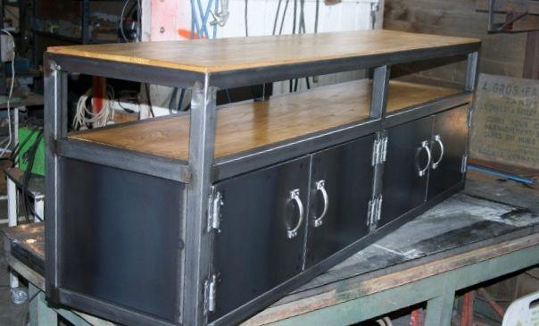 meuble TV style industriel métal / chataignier