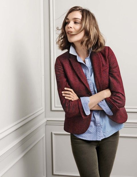 Tweed fabric, vintage vibes and a cool contemporary cut: these blazers are as British as a cucumber sandwich. We've given the heritage style a sophisticated update with a classic, fitted shape and playful printed lining. Team with laid-back jeans or go full-on country-house chic.