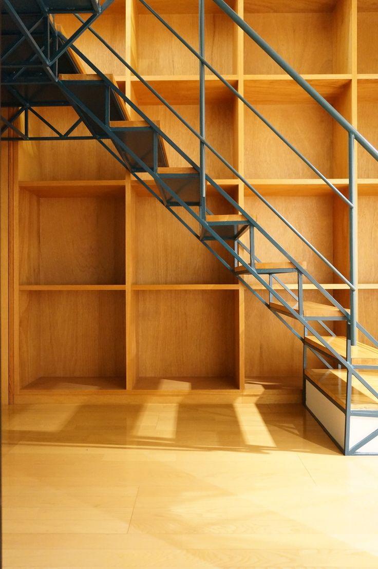 階段奥のここは見せる収納!