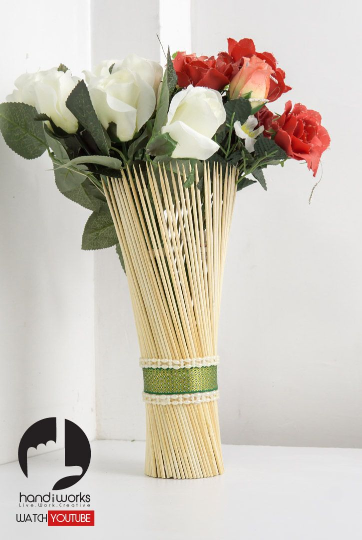 Do It Yourself Easy Decorative Flower Vase With Bbq Sticks Easy Diy Craft For Home Allows You To Custo Flower Vases Decoration Flower Decorations Flower Vases