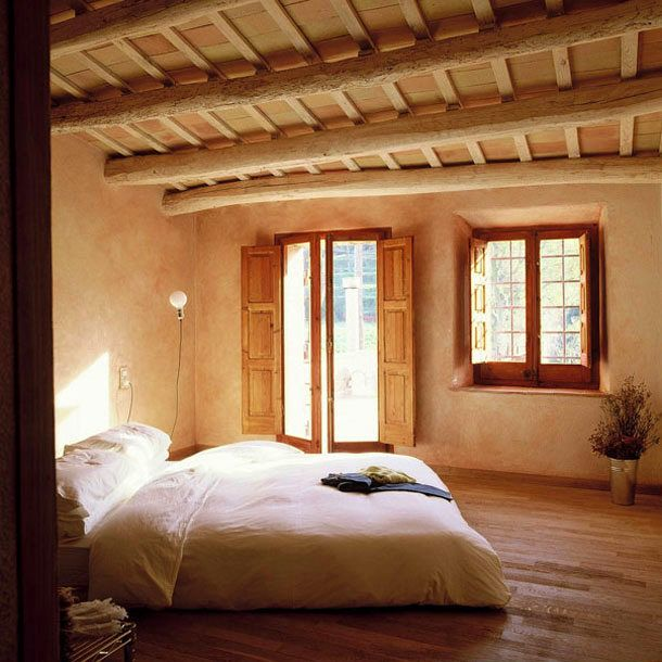 If this were my bed, I would sleep in a long time!  Lovely and peaceful and calming.