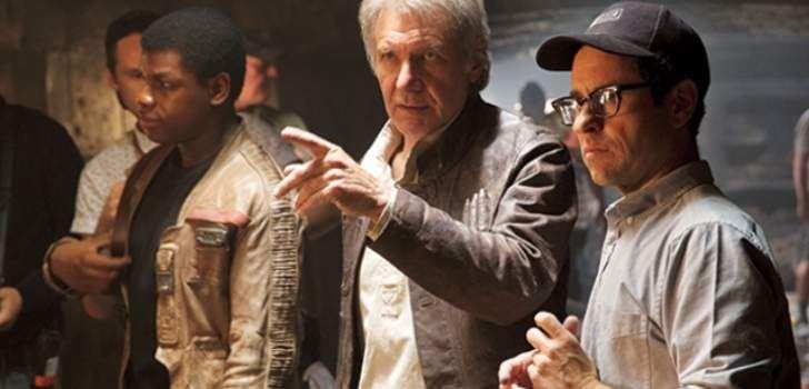Com a possibilidade de um (perdoe o trocadilho) filme solo do Han Solo, contando a história do personagem bem mais novo, os fãs começaram a imaginar se o Han Solo original tinha algo a dizer sobre isso. Mas Ford, que retornou ao personagem no filme que estréia esse ano, disse que não é algo que …