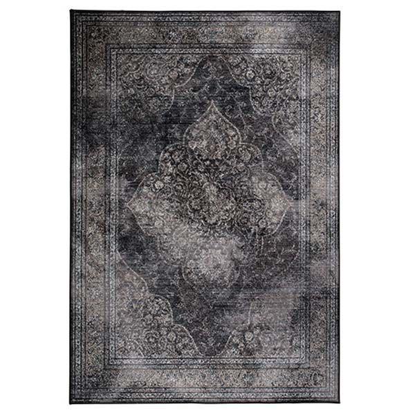 Carpet Rugged Donker170x240cm Description: Dit Tapijt Carpet Rugged van Zuiver is een combinatie van klassiek en modern. Voorzien van een prachtig klassiek ontwerp aan de ene kant en aan de andere kant een mooie donkere kleur. Waar je het ook neer zou leggen het valt overal op door de mooie kleur. Door de moderne materialen waarvan dit tapijt gemaakt is kan het tegen intensief gebruik. Dit prachtige tapijt is 170 cm breed en 240 cm lang. Uiteraard creëer je met dit tapijt meer sfeer in huis…