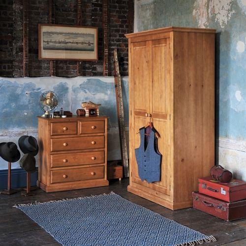 Pine Bedroom Furniture: 17 Best Ideas About Pine Bedroom On Pinterest