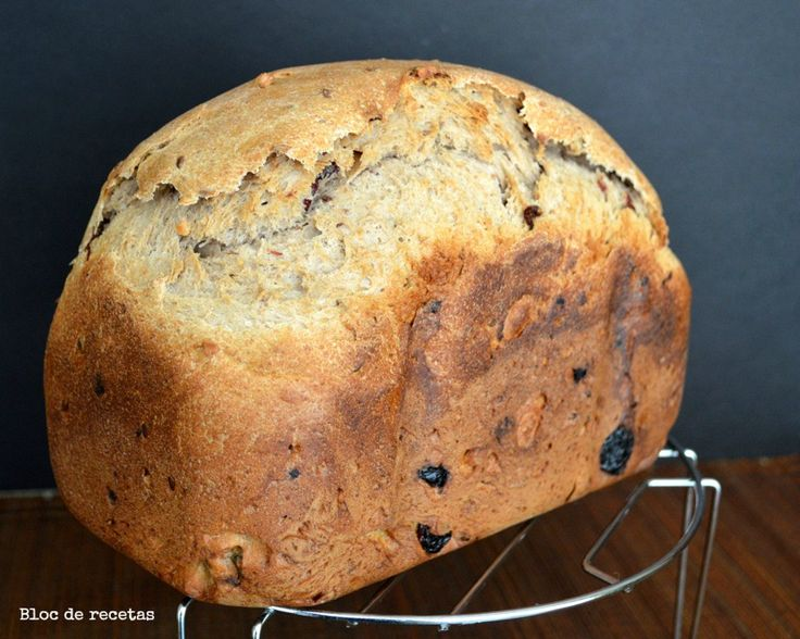 Este Pan de espelta y centeno integral con arándanos es un capricho aunque no es un pan dulce , resulta sabroso y aromático pero es muy...