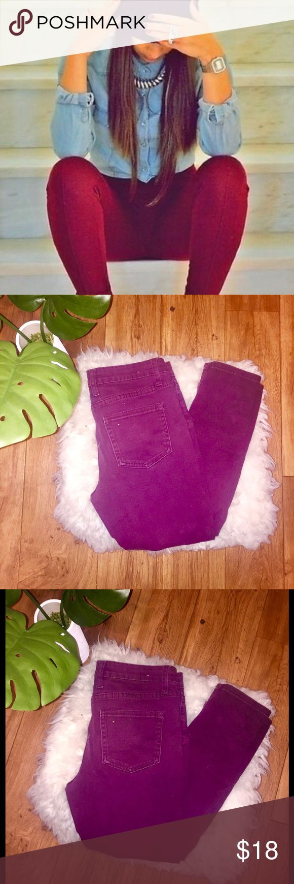 🎱 Burgundy Skinny Jeans 🎱🎱Burgundy- Maroon Skinny Jeans  - size 6  - Good Condition  - purchased from PACSUN < Coulor brand  - hugged tight fit PacSun Pants Skinny