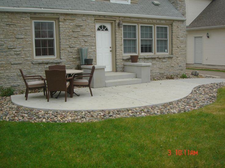 Cement patio concrete patio minneapolis twin cities for Simple back patio ideas