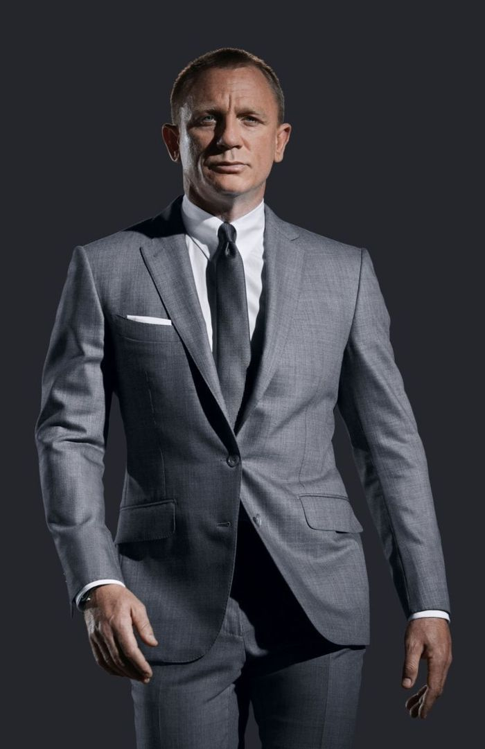 le costume gris anthracite homme en 40 photos james bond et d guisements. Black Bedroom Furniture Sets. Home Design Ideas