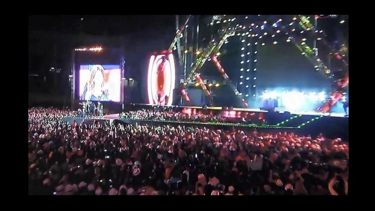 """INNA """"La ReINNA LaTINNA"""" en Premios Telehit-Mexico 2013 Visiten nuestro canal de Youtube. Es un vídeo que hicimos para todos los Clubrockers de Corazón LatINNO... =)"""