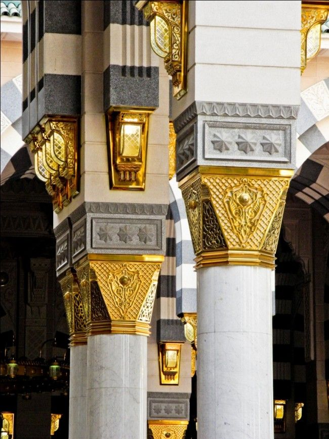 Columns at Masjid an-Nabawi (Mosque of the Prophet ﷺ) in Madinah, Saudi Arabia