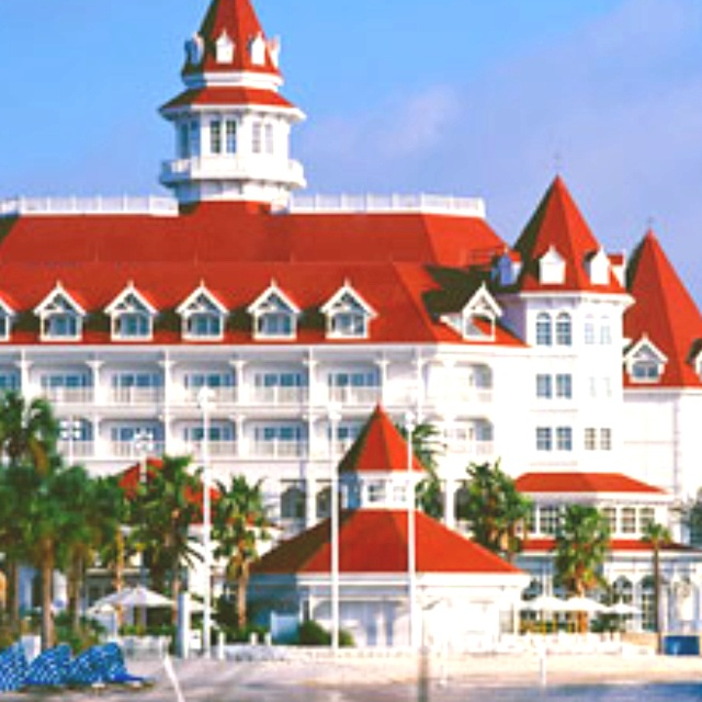 I would love to stay at the Grand Floridian Disney Resort! One day..