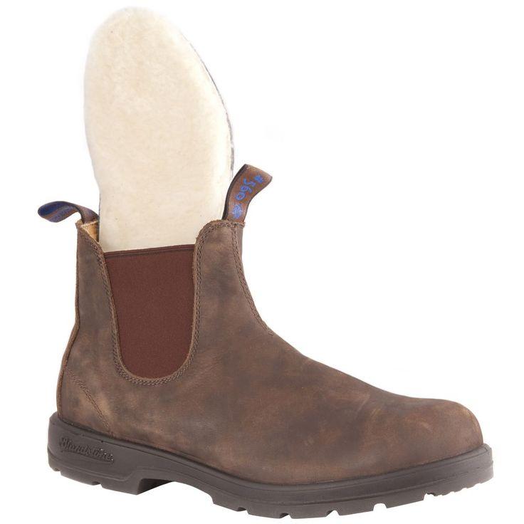 Voici la version hivernale d'un grand classique. La tige de cette botte comporte un isolant Thinsulate pour envelopper votre pied de chaleur, et la semelle intérieure en laine de mouton évacue l'humidité en plus d'ajouter une couche de douce chaleur entre vous et le trottoir glacé.