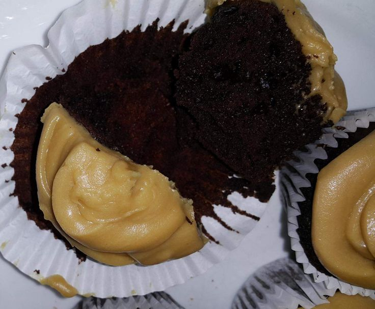 Recipe Black Russian Cupcake and Kahlua Buttercream Icing by KMJansen - Recipe of category Baking - sweet