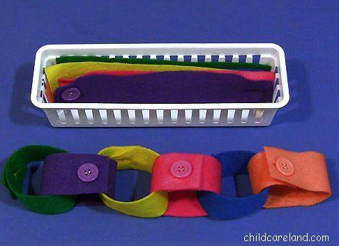 childcareland blog: Felt Button Chain