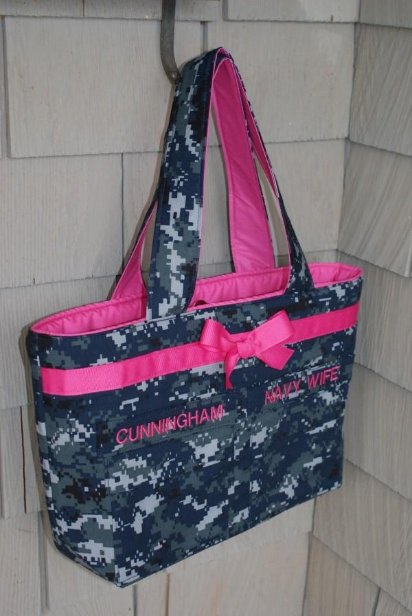 I'm ordering this bag! but its will obviously say Biard and navy wife! SO cute love it!