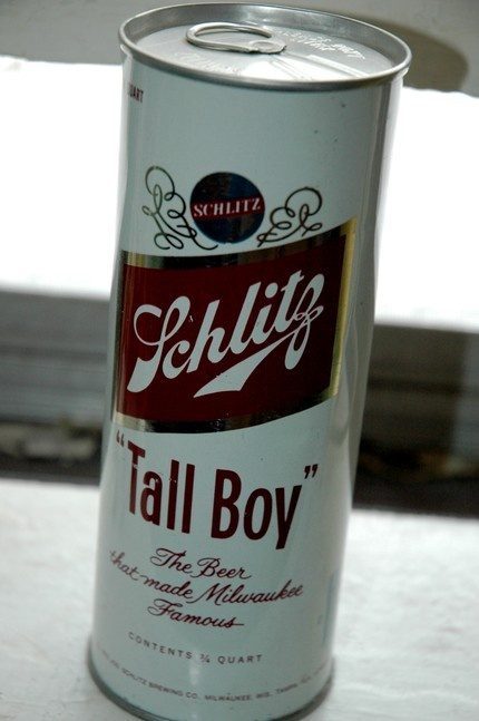 Tall Boy: Also know a as a tall can. A 24 oz can of beer. Not to be confused with a pounder a 16oz can of beer, or a deuce deuce a 22oz bottle of beer.