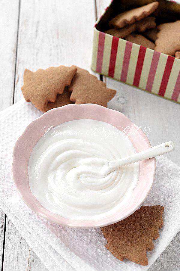 Lukier z białka, cukru pudru i odrobiny soku z cytryny zwany również jako Royal Icing. Wykorzystuje się go głównie do...
