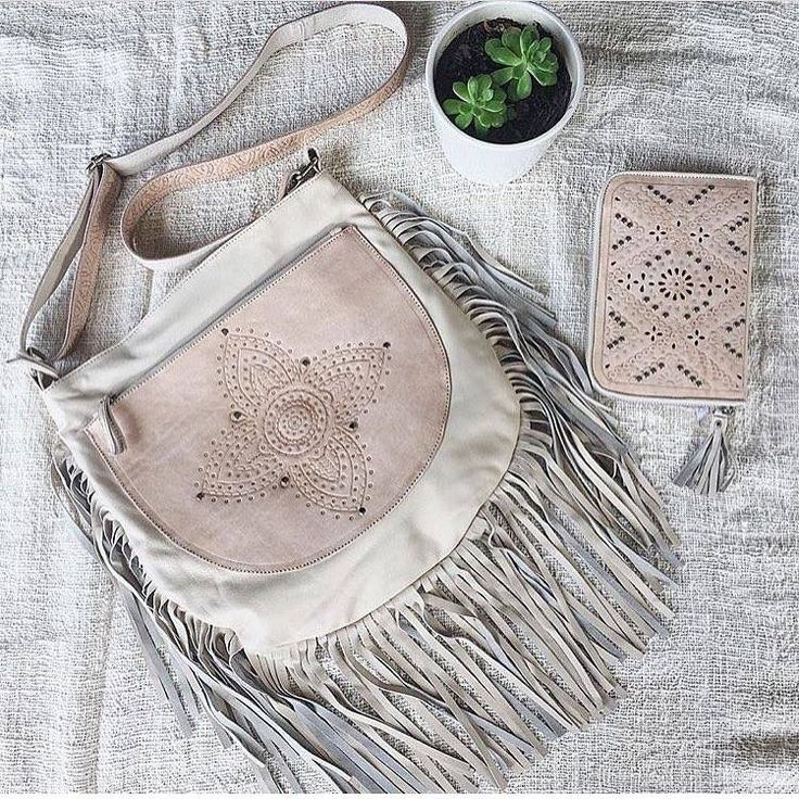 Cream and blush leather  hand tooled styles we love online now ~ the Sienna Boho Bag & Rocco Wallet.  #leatherbag #leatherpurse #leatherwallet #leatherinspo #boho #bohostyle #travelstyle #blushleather