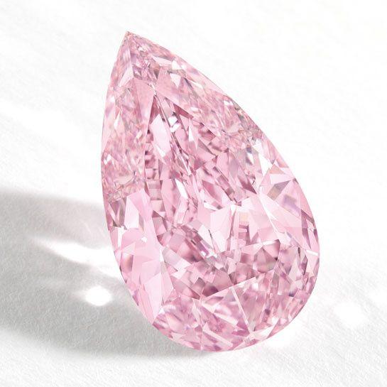 Le diamant rose de 8.41 carats chez Sotheby's Hong Kong 7 octobre 2014