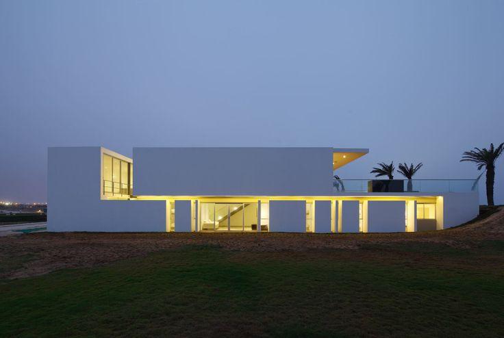 A beach home in La Jolla, Peru designed by Juan Carlos Doblado