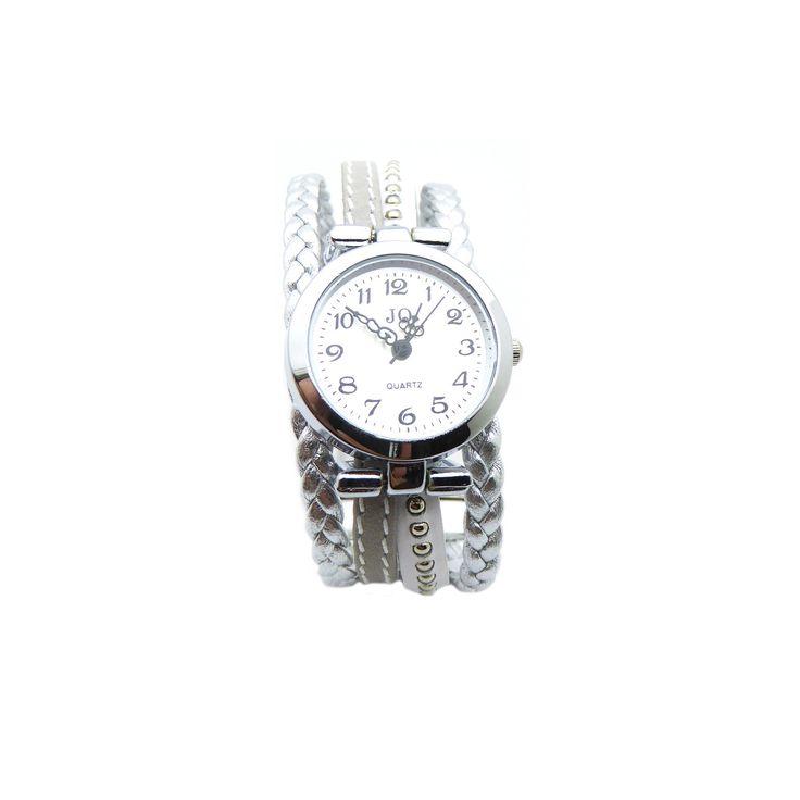 Créez votre montre en mélangeant du cuir tressé, cuir plat 5mm et cuir chaîne bille, en suivant le tutoriel disponible dans le kit bracelet montre