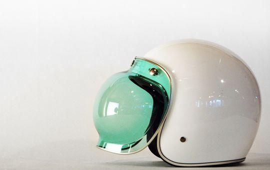 The perfect bubble helmet to wear on the Vespa Lx 50! @katespadeny, #ridecolorfully