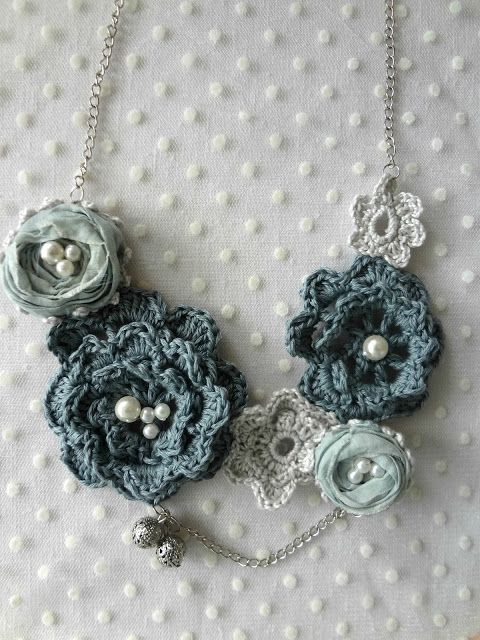 Little Treasures: Winter Roses Necklace Pattern