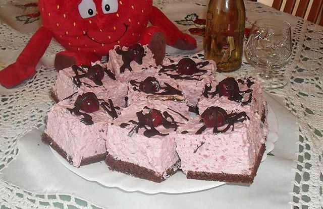 Meggyes-joghurtos kocka - www.kiskegyed.hu