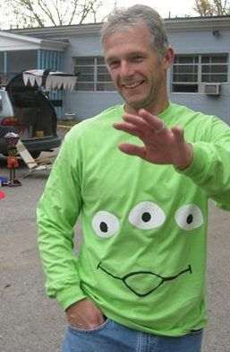 Toy Story Alien Kostüm selber machen | Kostüm-Idee zu Karneval, Halloween Fasching