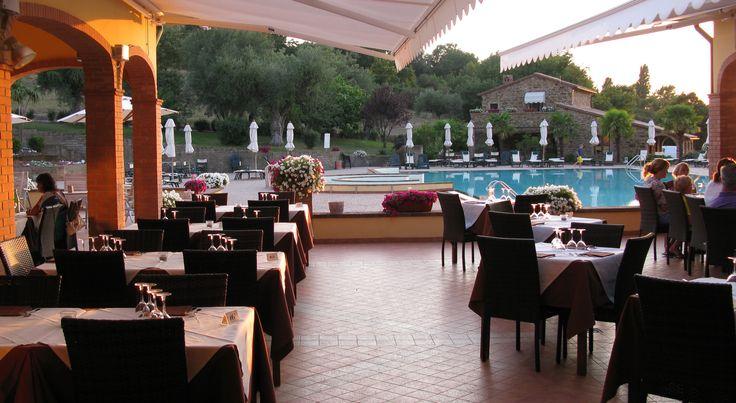 All'interno della nostra OasiMaremma c'è un grande ristorante con possibilità di mangiare a bordo piscina.. Atmosfera stupenda #oasimaremma #villaggio #vacanze PRENOTA ORA: www.oasimaremma.it