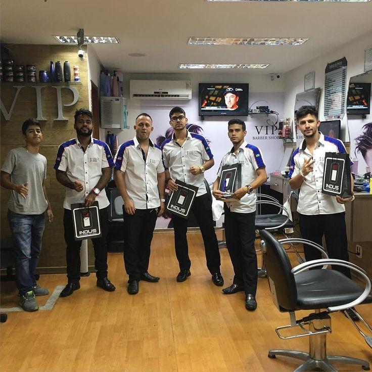 Olha aí a equipe que faz a diferença no Salão Vip Barber shop!!!!!!! #barbershopconnect #fade #soufeliz #barbershop #barbeiros by wandermq84