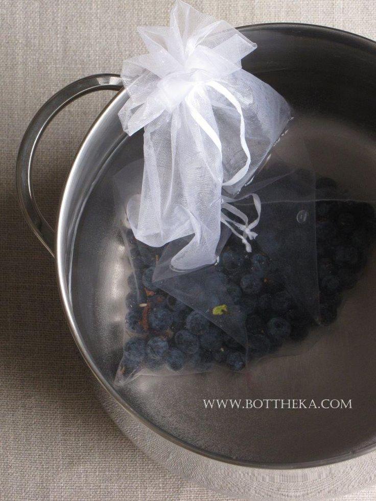 Sloe & water http://bottheka.com/en/prunus-spinosa