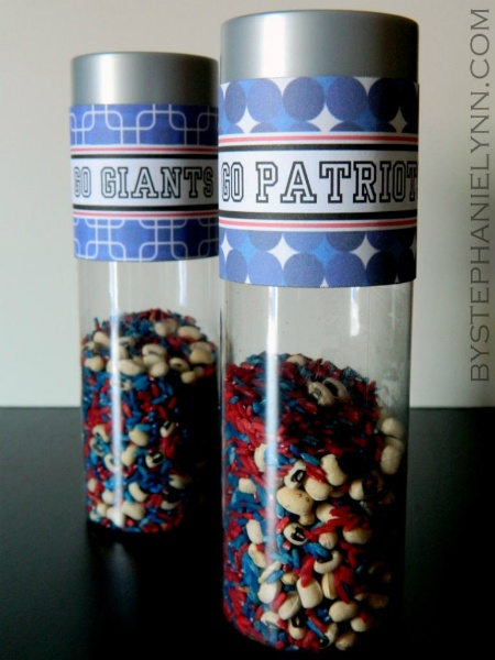 Turn Plastic Bottle into Game Day Noisemaker. The kids would LOVE using these. Red and Blue. Braveheart!