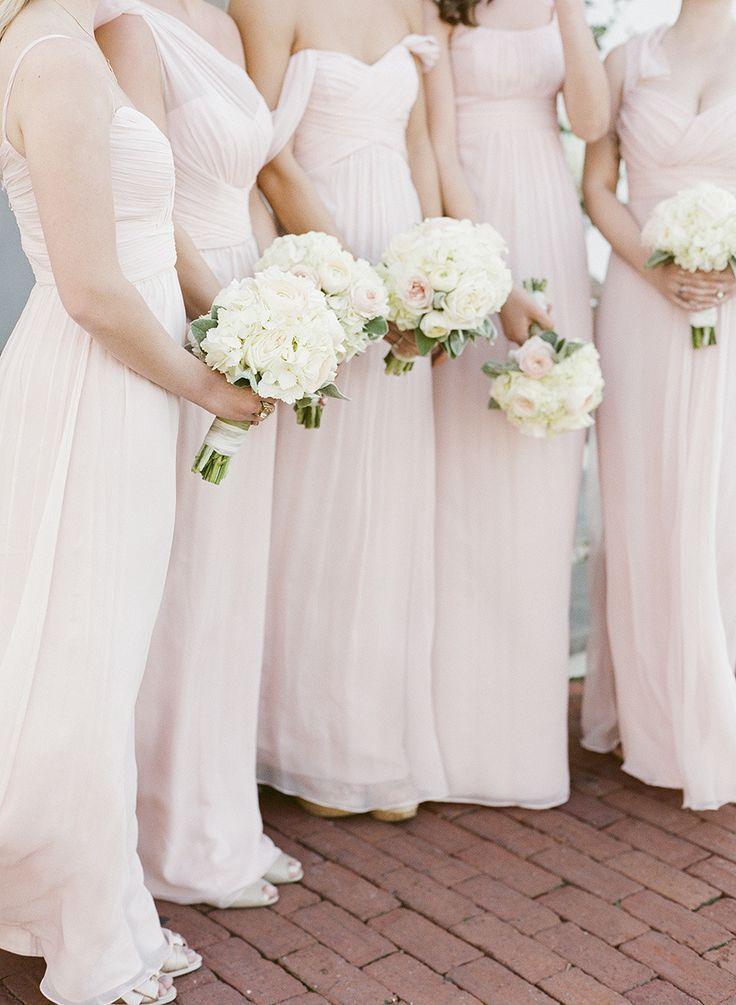 Photography: Leslee Mitchell  - www.lesleemitchell.com  Read More: http://www.stylemepretty.com/2015/03/18/traditionally-elegant-rosemary-beach-wedding/