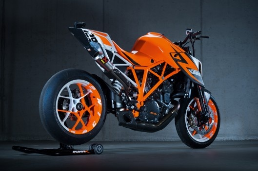 The best power-to-weight ratio ever?  The KTM 1290 Superduke R prototype – a super-lightweight, trellis-framed naked bike powered by a 1290cc version of the proven RC8R V-twin, complete with drive-by-wire, lots of (disengageable) electronic rider assistance, lashings of carbon fiber, new prototype WP suspension at both ends and the promise of a production version within 12 months.