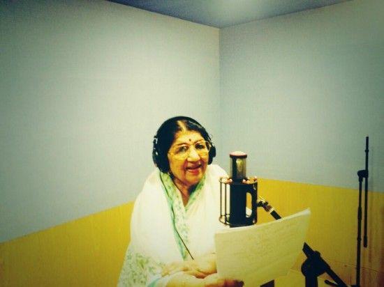 Lata Mageshkar playback Singer