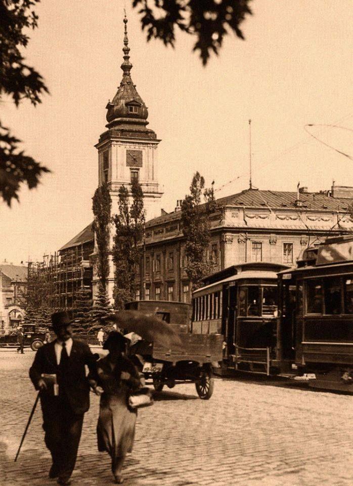 Krakowskie Przedmieście-widok na Zamek Królewski,1927 rok. Źródło:omni-bus.eu