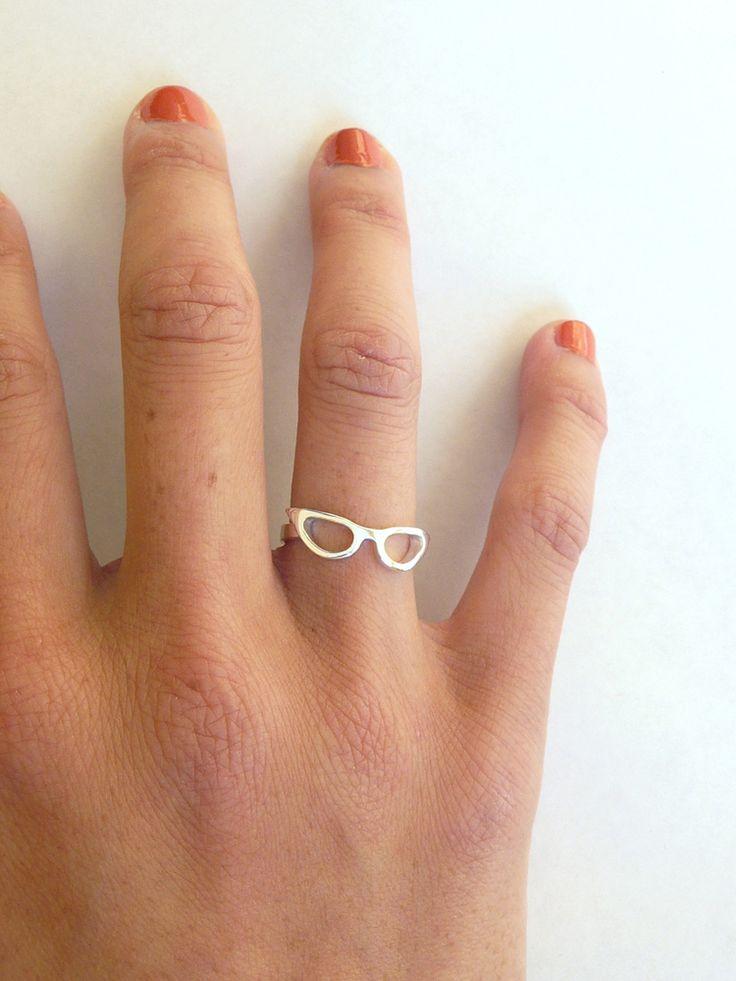 love this. cat eye glasses ring.