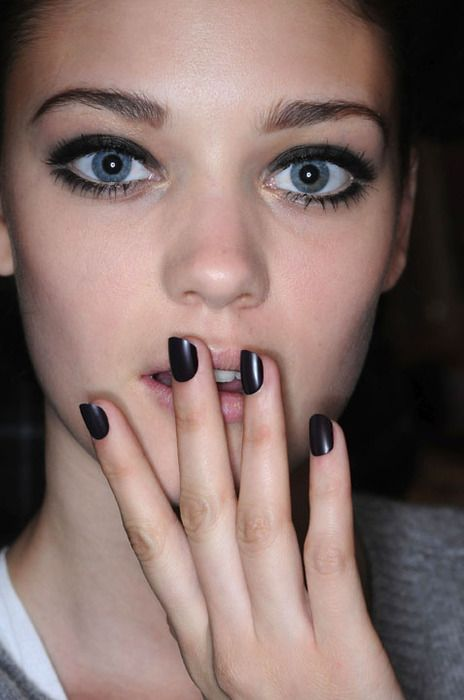 : Matte Nails, Dark Nails, Makeup And Nails, Eye Makeup, Dark Eye, Makeup Style, Faces Makeup, Black Nails, Hair Nails