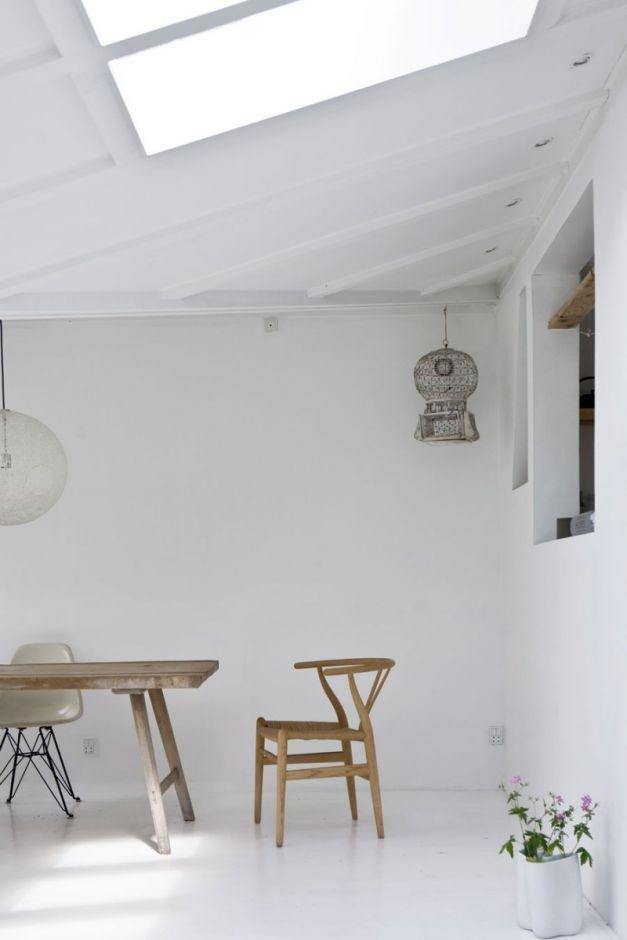 OUI . OUI: Minimalist elegant interior