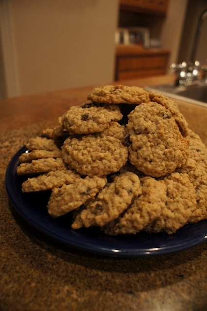 One Hungry Hog: Vintage Quaker Oatmeal Raisin Cookies