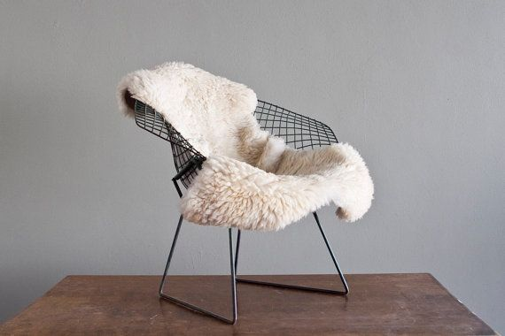 bertoia diamond chair by knoll international 100 vintage natural patina from castandcrew. Black Bedroom Furniture Sets. Home Design Ideas