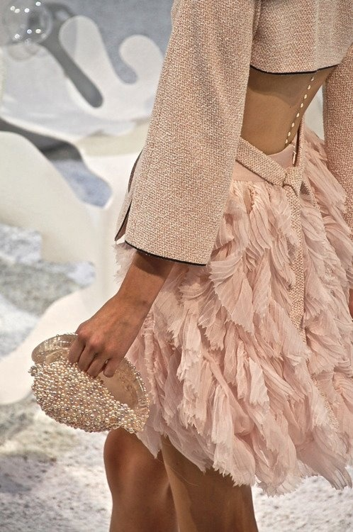 Chanel S/S 2012, pearls down the back