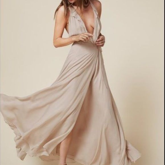 Reformation Arianna dress Blush ivory Ariana reformation dress. Worn twice. Reformation Dresses Maxi