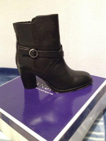 b24cf2d7fc3 chaussure escarpin Bottines nbsp nbsp low nbsp boots A By Andre Bottines  amp low boots a talons Rouge bordeaux