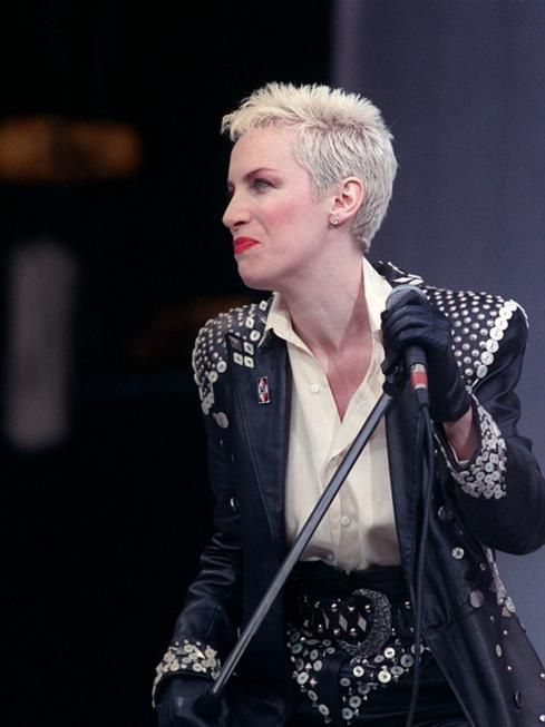 Annie Lennox, Eurythmics 1988. Absolutely fan of this wonderful woman, incredible singer
