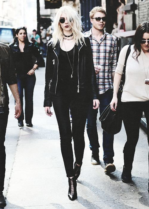 Best 25 Taylor Momsen Ideas On Pinterest Taylor Momsen Style Pretty Reckless And Taylor