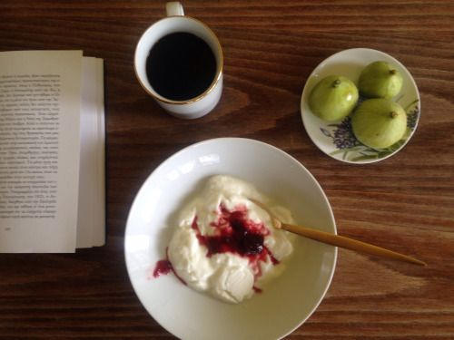 #healthy #simple #bio #breakfast our #delicious #organic #figs our #homemade #pinkplum #marmalade and our very special #fresh #goatmilk #yogurt enjoy in #metohikindelis