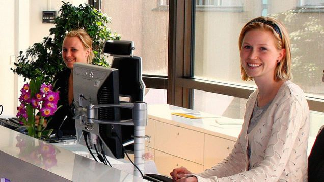 Ask the Receptionist These Questions While Waiting for Job Interview