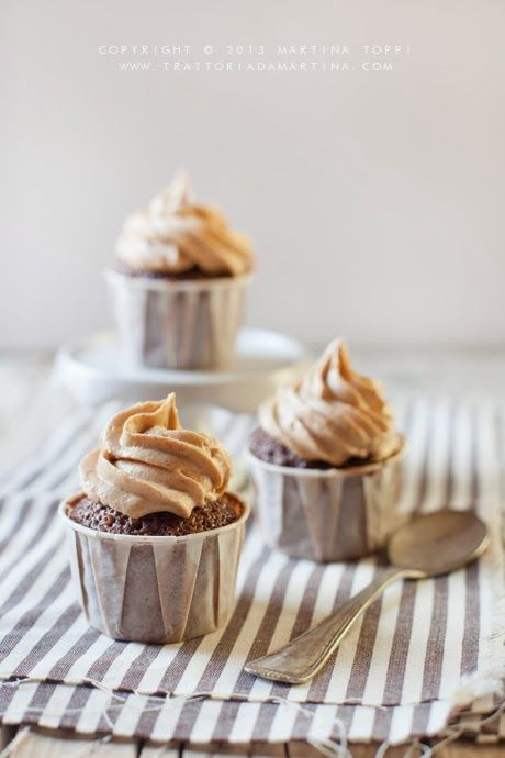 chocOlate cupcakes with peanut butter cream
